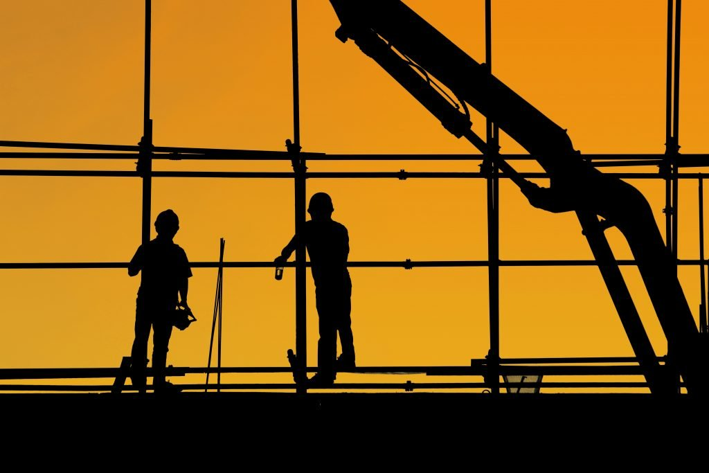 Why Commercial Contractors Should Consider Construction Factoring